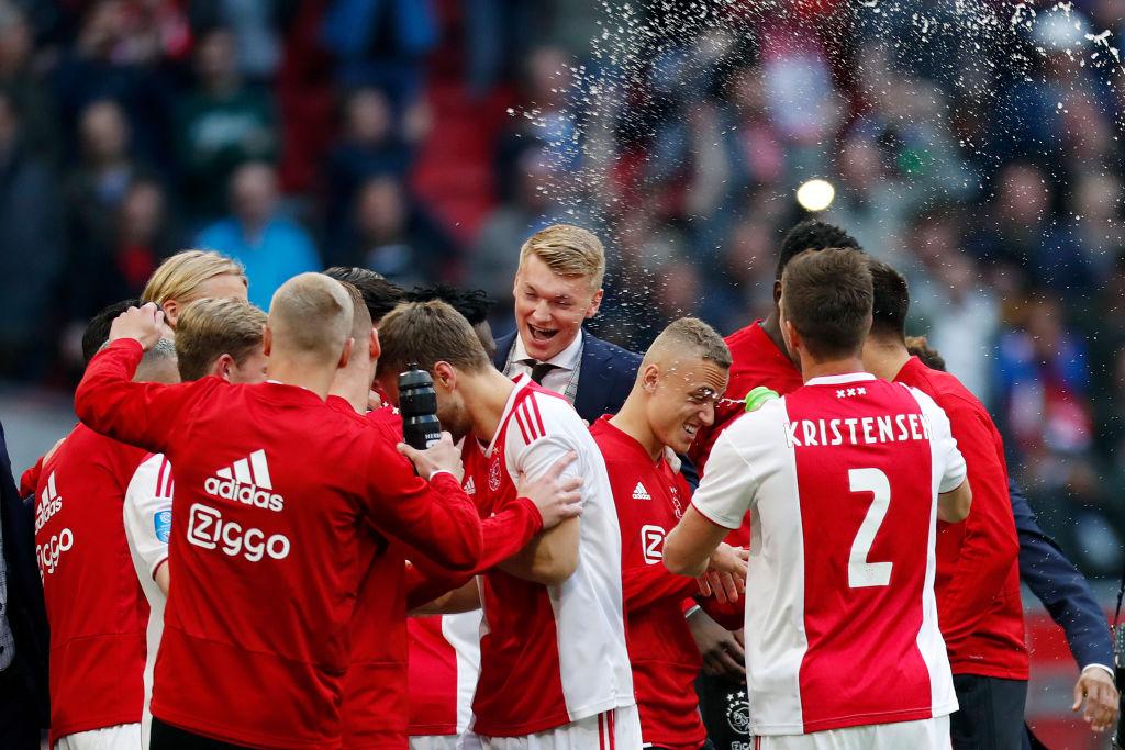 """En Holanda descartan a Edson Álvarez para el Ajax o PSV ya que """"ahora es muy caro"""""""