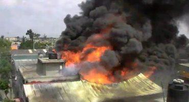 Reportan incendio en una llantera en El Chamizal, Ecatepec