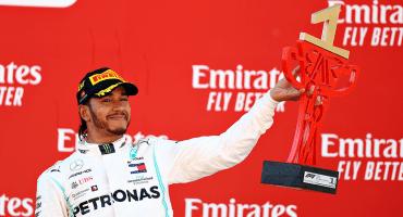 Hamilton gana la guerra de los Mercedes en el Gran Premio de España