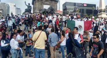 Vagoneros del Metro de la CDMX marchan en Reforma para que los dejen trabajar