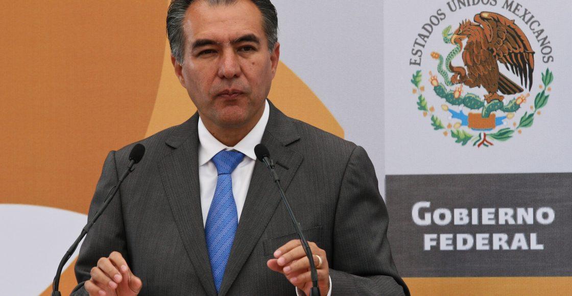 MƒXICO, D.F. 21SEPTIEMBRE2009.- Marco Antonio Adame Castillo, gobernador de Morelos; durante a la ceremonia de la Firma del Convenio Marco del Sistema Nacional de Bachillerato en el Alc‡zar de Chapultepec.