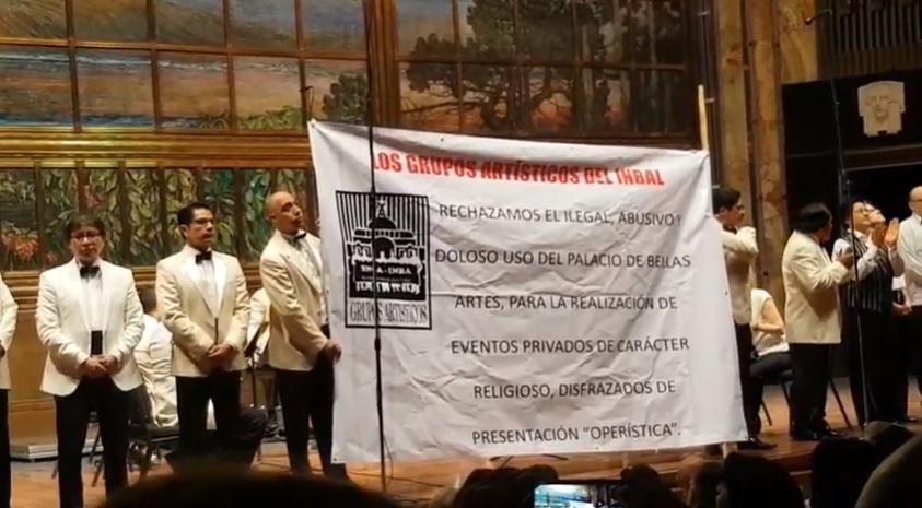 En Bellas Artes, músicos exigen renuncia de titulares de Cultura e INBAL