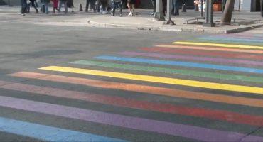 Pintan paseo peatonal de la CDMX con los colores de la bandera gay ❤️🏳️🌈