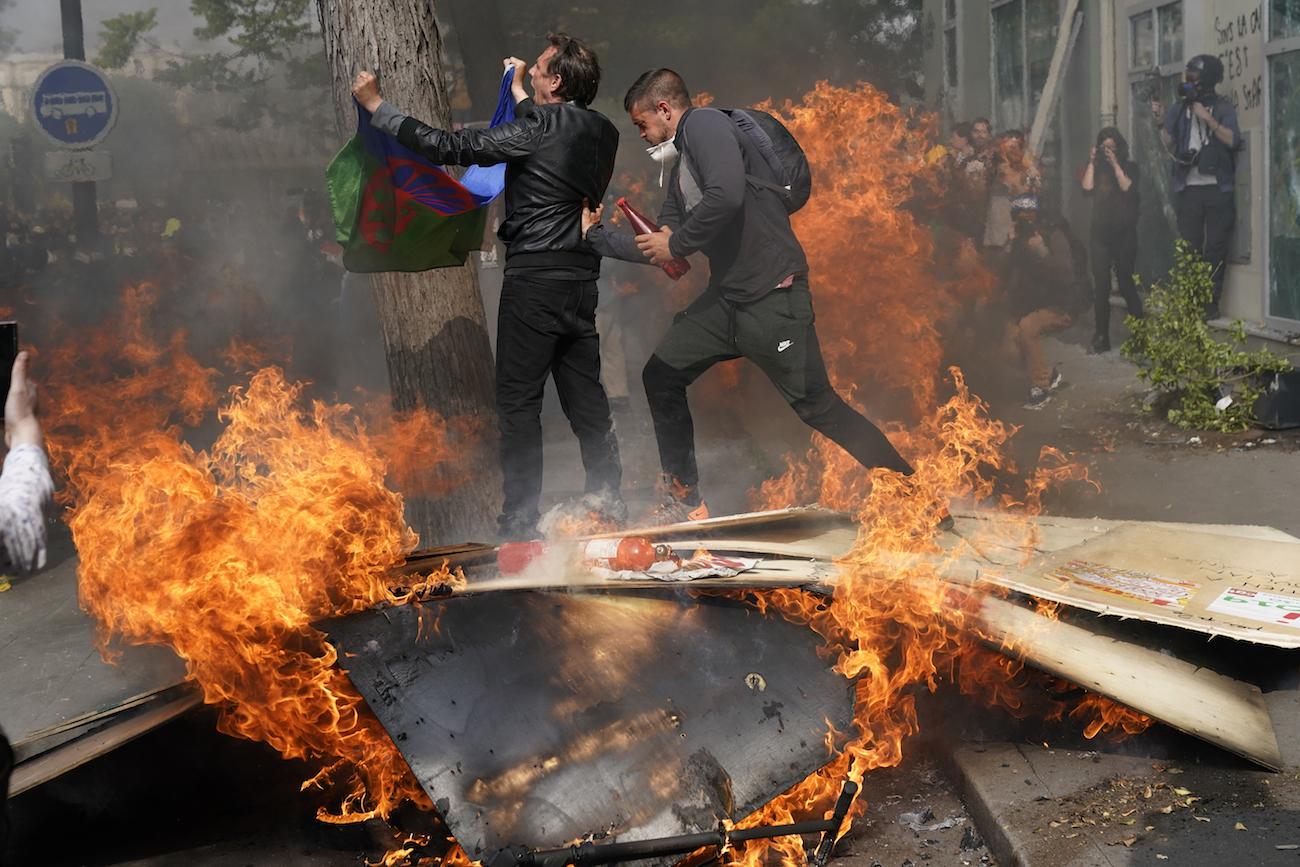 protestas-paris-200-detenidos-1-mayo-dia-trabajo-02