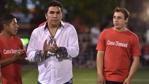 ¡Salvador Cabañas ya se reunió con su nuevo equipo para dirigirlo!