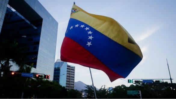 Tribunal Supremo de Venezuela acusa a legisladores de oposición por traición a la patria
