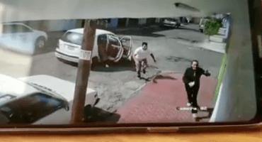 Captan en video a una mujer que escapa de un secuestro en Ecatepec