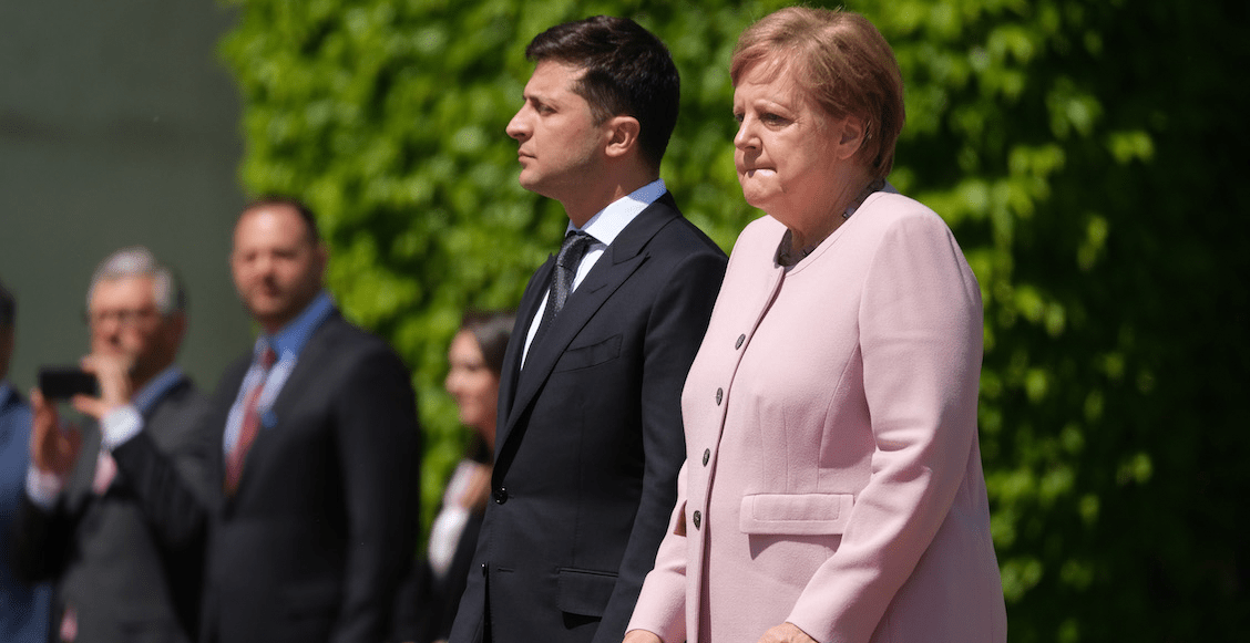 Angela-Merkel-espasmos-deshidratacioÌn