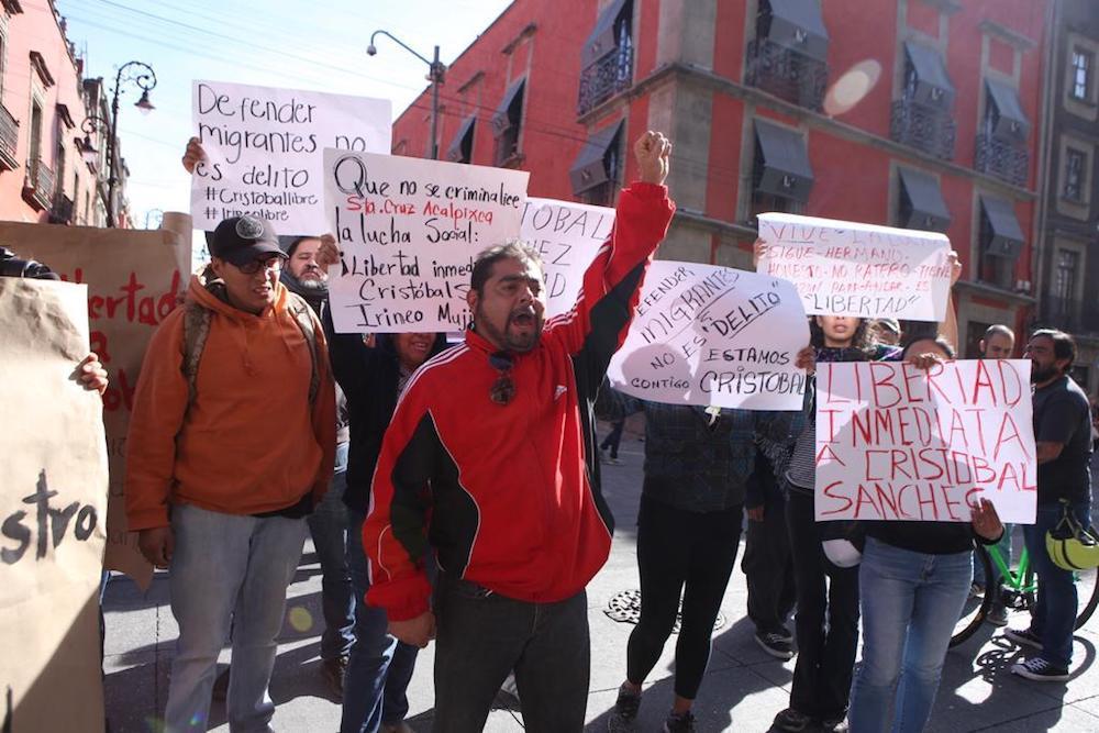 Por falsedad en acusaciones, liberan a activistas defensores de migrantes