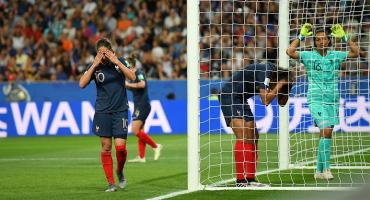 ¡De no creerse! Mira el ridículísimo autogol de Francia en el Mundial Femenil
