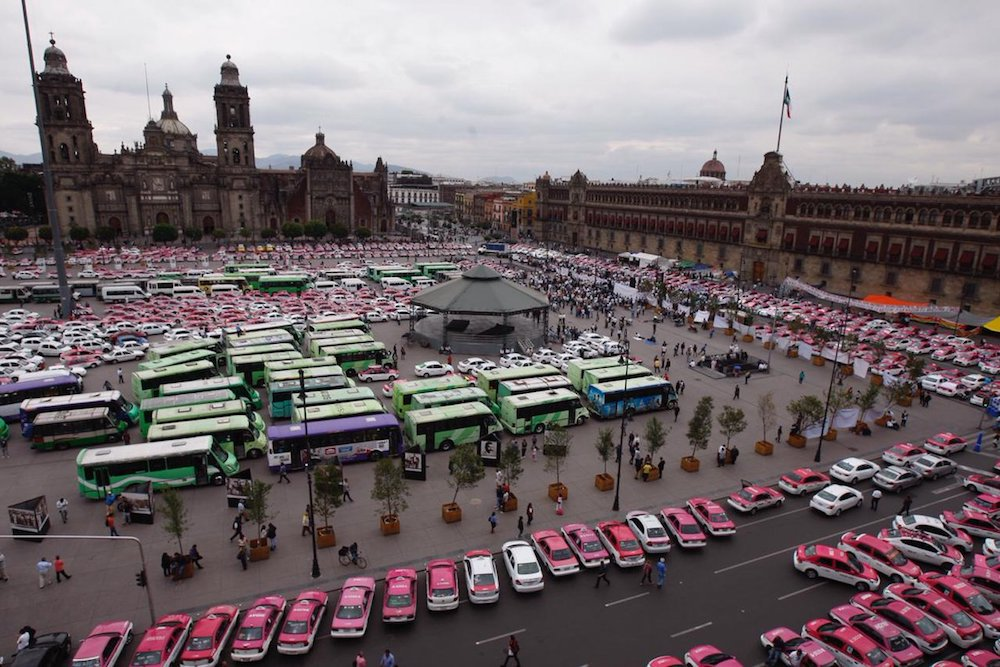 Manifestación-microbuses-CDMX-Zócalo