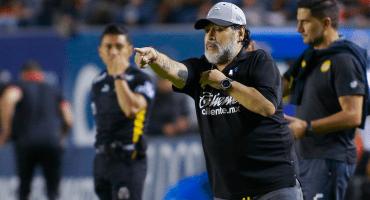 ¡No más Diego! Maradona dejó de ser técnico de Dorados