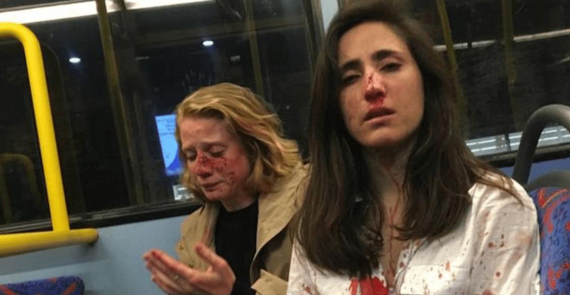 En Londres, una pareja de lesbianas es golpeada en un autobús