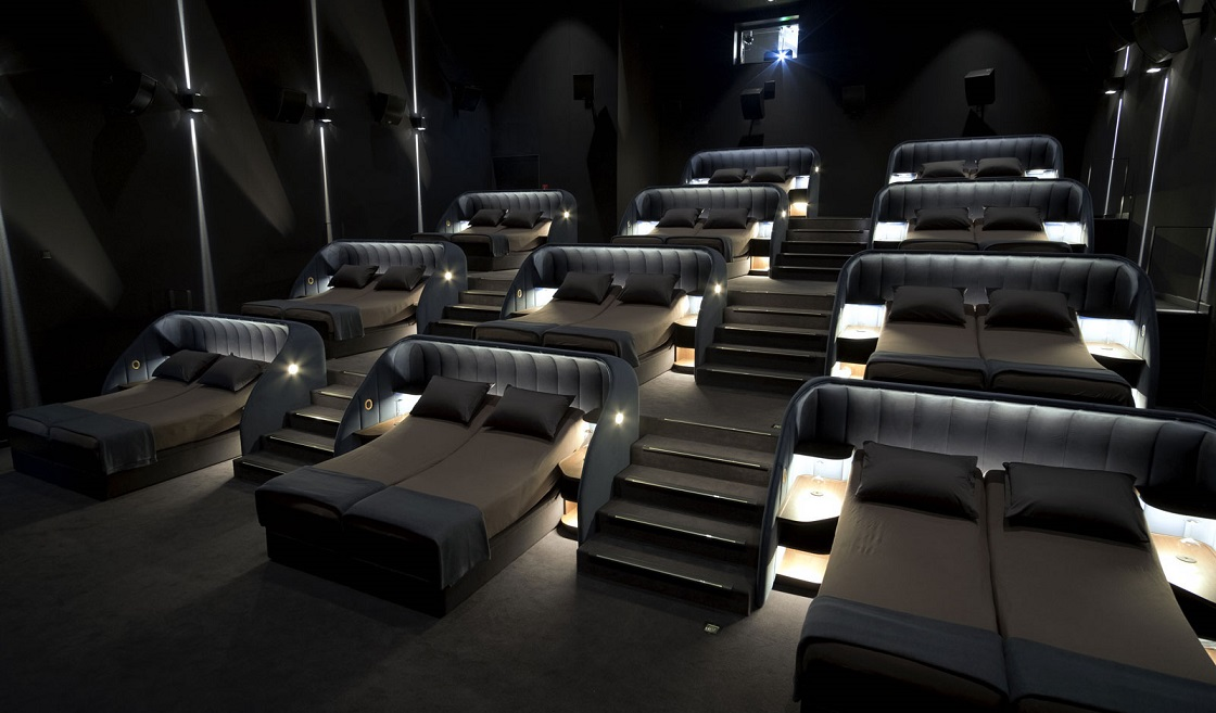 ¿Idea ganadora o fail? Este cine suizo cambió las butacas de sus salas por camas