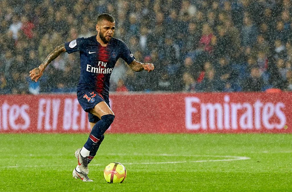 Dani Alves se marcha del PSG y… ¿cuál sería su siguiente destino?