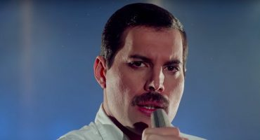 Escucha la versión inédita de 'Time Waits for No One' de Freddie Mercury