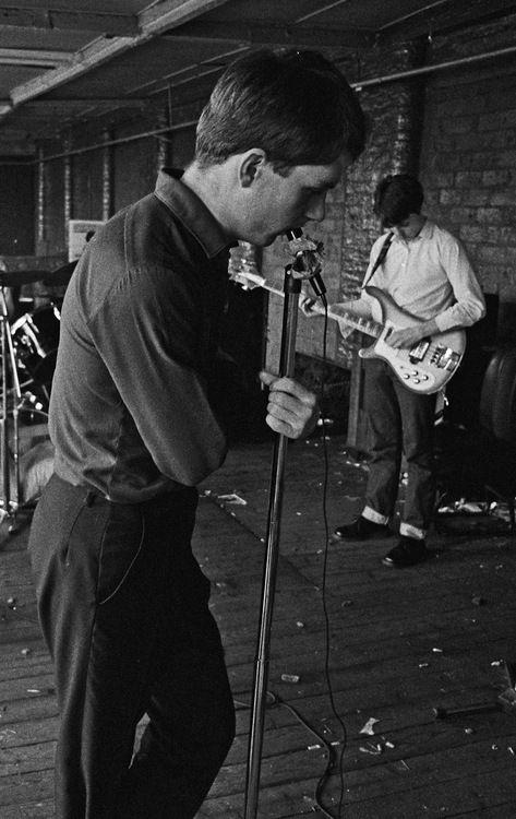 """""""Love Will Tear Us Apart"""", la canción de Joy Division que repercutió en la cultura moderna"""