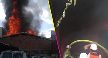 Reportan tremendo incendio en una bodega de la colonia Portales