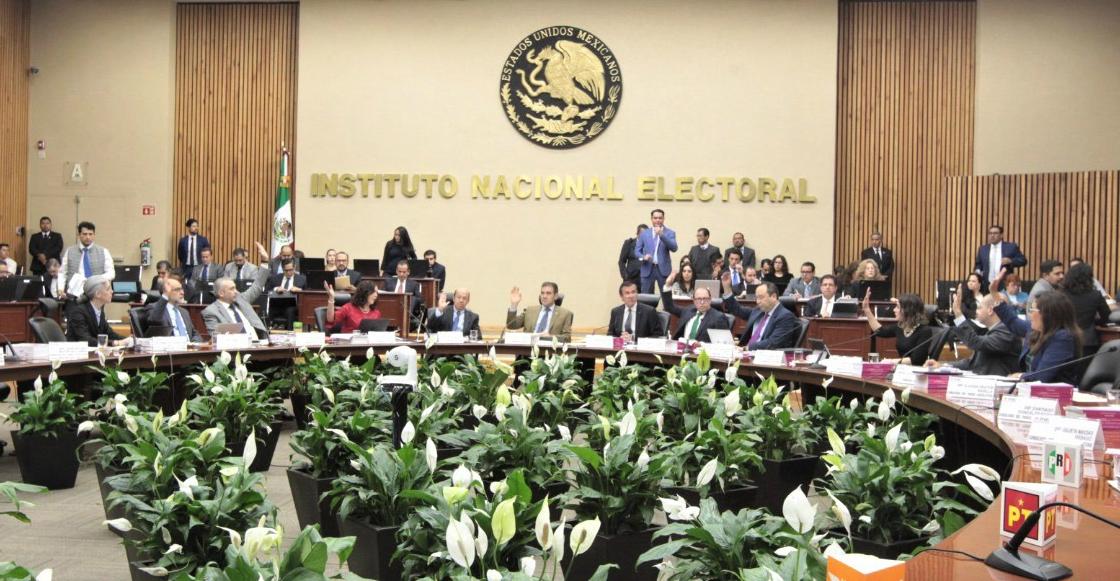 INE sanciona a Morena por más de 241 mil pesos por incumplir con obligaciones de transparencia,