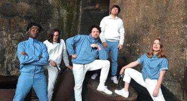 Metronomy Forever! La banda está de regreso con nueva canción, video y el anuncio de un disco