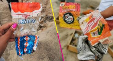 Hallan envolturas y plásticos de hace décadas en una playa de Mazatlán