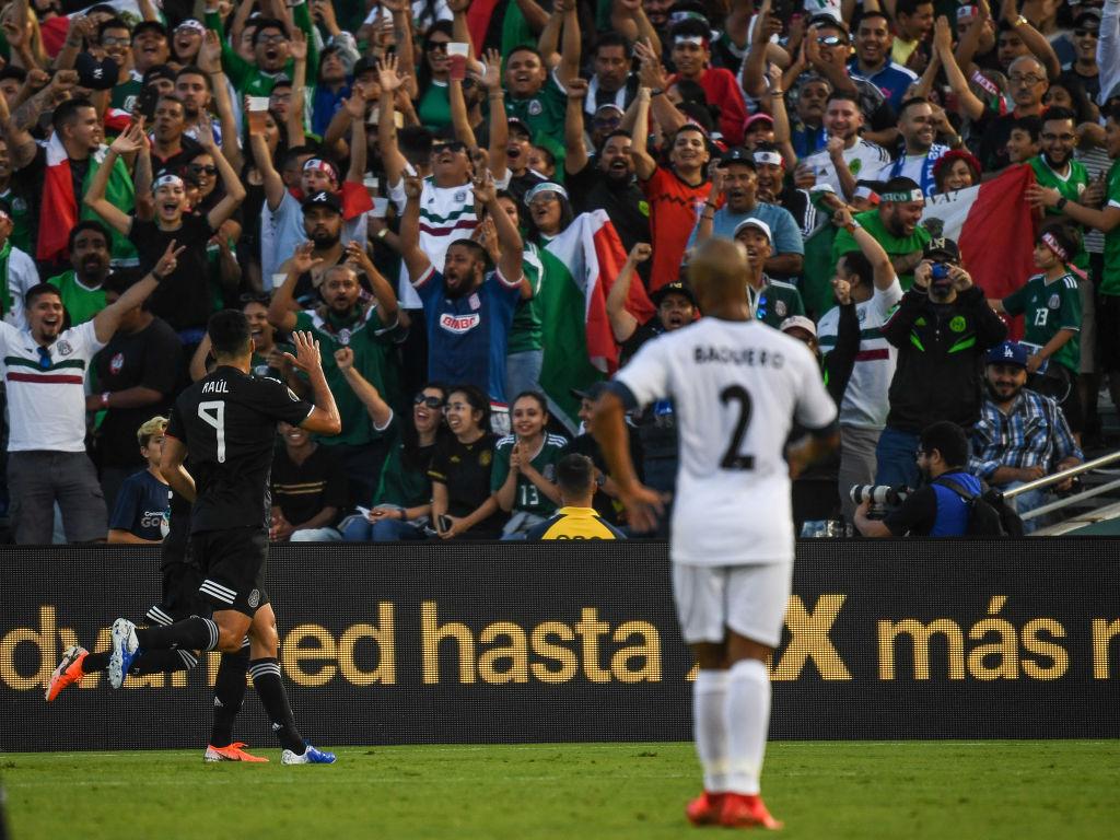 """""""Metimos 7 goles pero pudieron ser más"""": la autocrítica de Raúl Jiménez"""
