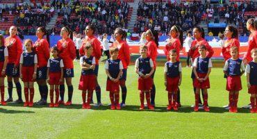 Aficionados de Chile cantaron su himno a capela en el Mundial Femenil y así reaccionó el mundo