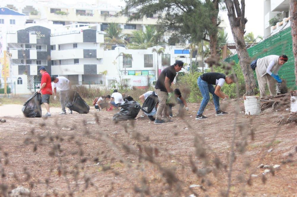 recolección-desechos-playa-Mazatlán