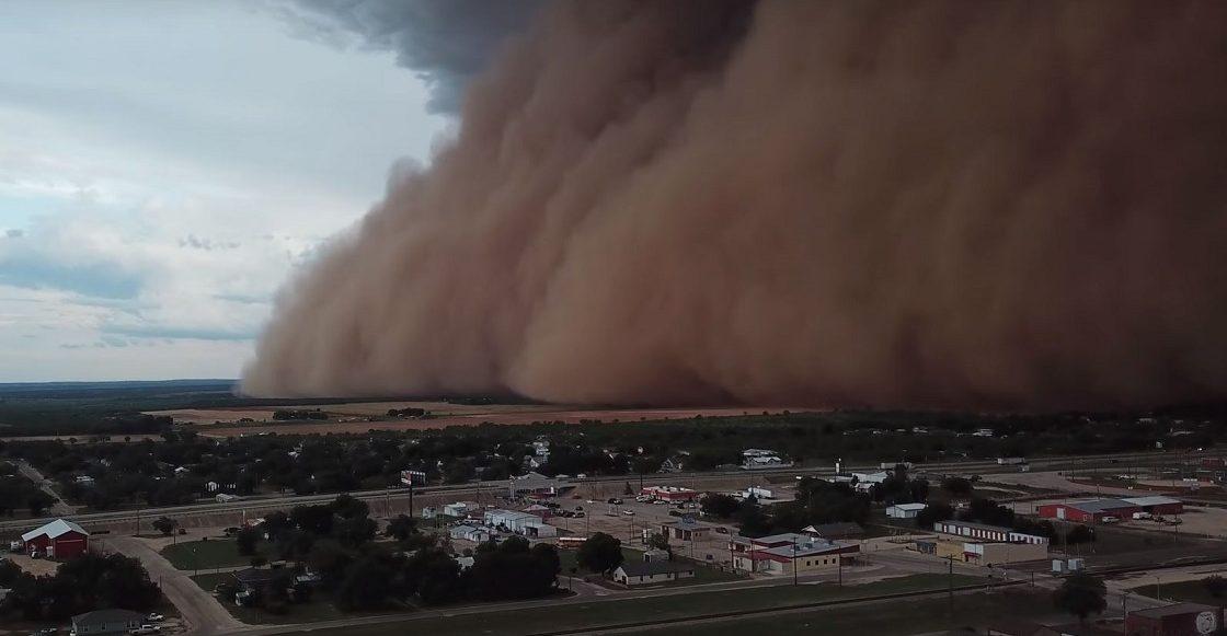 Tormenta de polvo en Coahoma, Texas