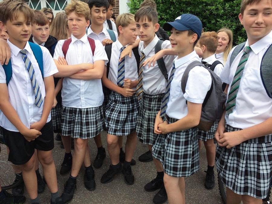 uniformes-alumnos-faldas-reino-unido