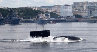Mueren 14 tripulantes en el incendio de un submarino militar de Rusia