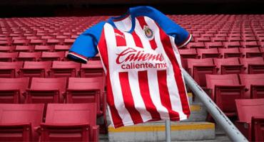 ¡Ahora sí! Chivas presentó sus nuevos uniformes para el Apertura 2019
