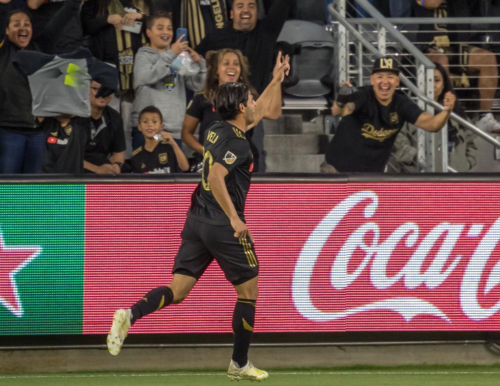 El doblete de Carlos Vela en la goleada 6-1 del LA FC al Vancouver Whitecaps