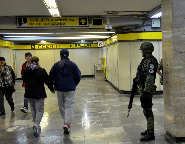 Efectivos de la Guardia Nacional están en el Metro