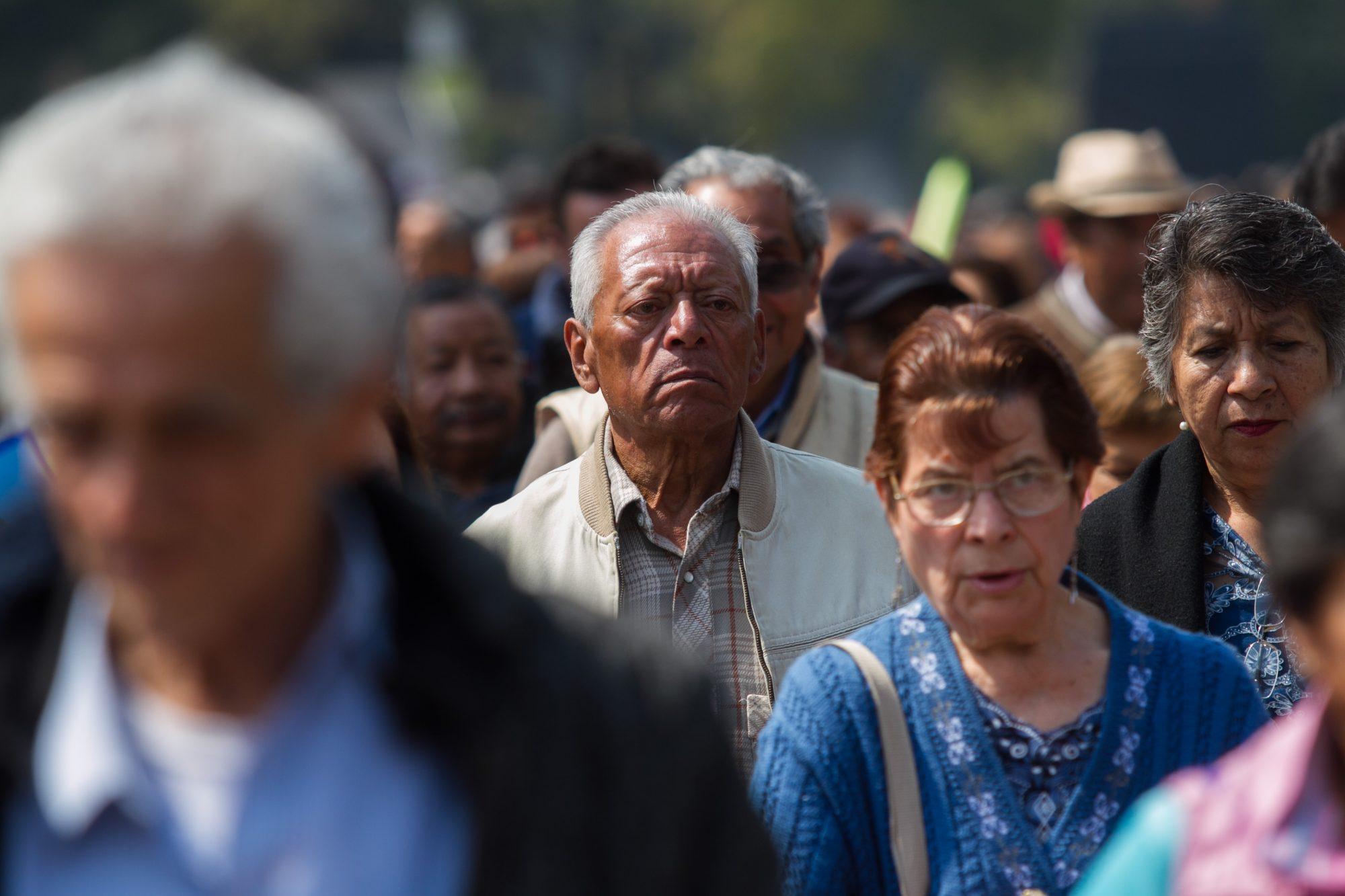La misma dosis: Adultos mayores recibirían otros cuatro meses adelantados de pensión