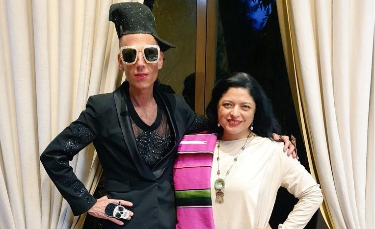 Y en la imagen del día: Edy Smol con la titular de Cultura, Alejandra Frausto... ¡¿¿qué??!