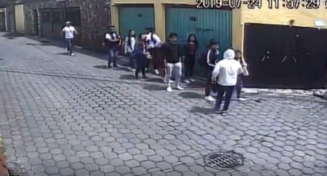 Ya ni en bola: Dos sujetos asaltan a una decena de estudiantes en Santa Úrsula