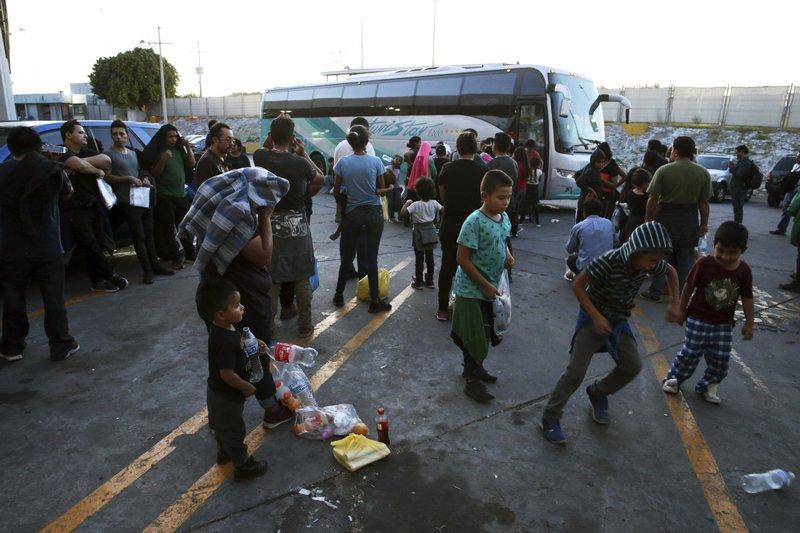 camiones-migrantes-mexico-monterrey-abandonados