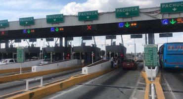 Policías Federales y sus familias toman caseta de la México-Pachuca; dan paso libre