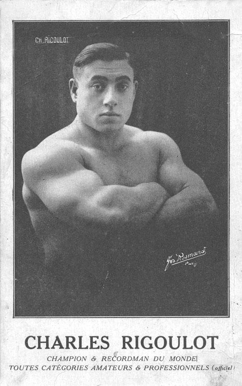 Levantador de pesas que fue encarcelado por golpear a un nazi, escapó y lo volvió a golpear