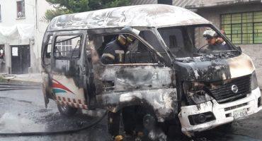¿Y las autoridades? En Ecatepec, una combi fue quemada y secuestraron al chofer