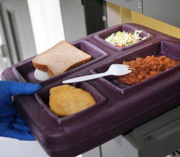 Hombre que extrañaba la comida de la cárcel se roba una bicicleta para que lo vuelvan a encerrar 