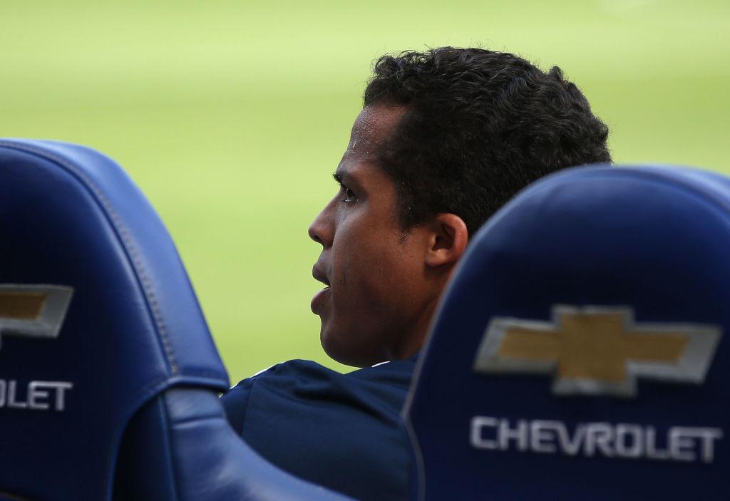 Regrésenlas al refri: Se retrasa el debut de Giovani Dos Santos con el América