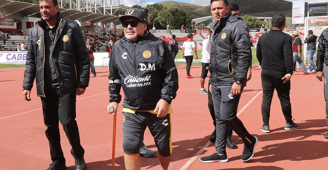 Maradona permanecerá cinco días en hospital tras ser operado