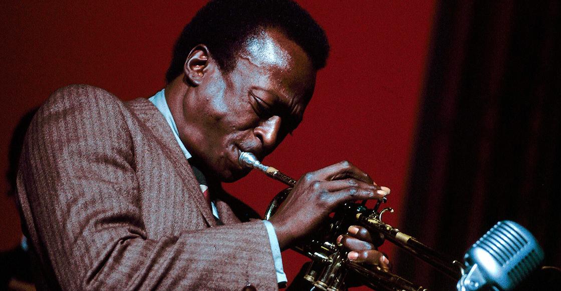 """Después de 30 años finalmente se puede escuchar el track inédito de Miles Davis, """"Paradise"""""""
