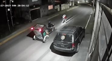¡Héroe sin capa al rescate! Mototaxista impidió que agandallaran a una joven