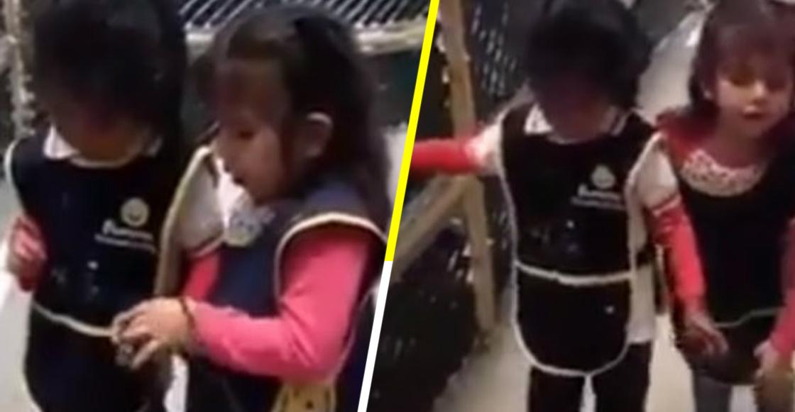 Aún hay esperanza: Una niña ciega le enseña a usar bastón guía a una compañerita