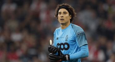 Técnico del Lieja descarta a Ochoa para el arranque de la temporada