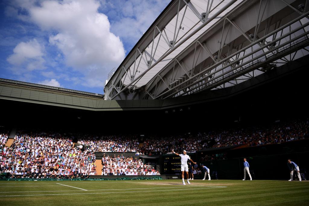 Djokovic se consagró bicampeón en Wimbledon tras vencer a Roger Federer
