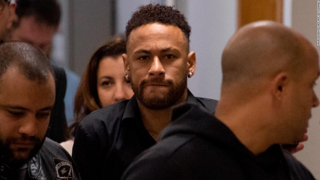 Policía pidió prórroga para entregar 'pruebas' del caso de Neymar por supuesta violación